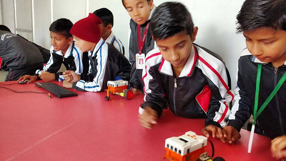 Robotics Lab at Nosegay Public School(Happy Ma'am)